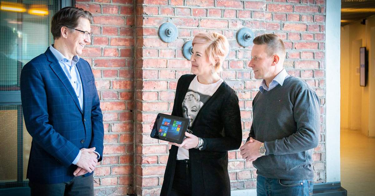 Aava Mobile donates 50 tablets to school children in Oulu